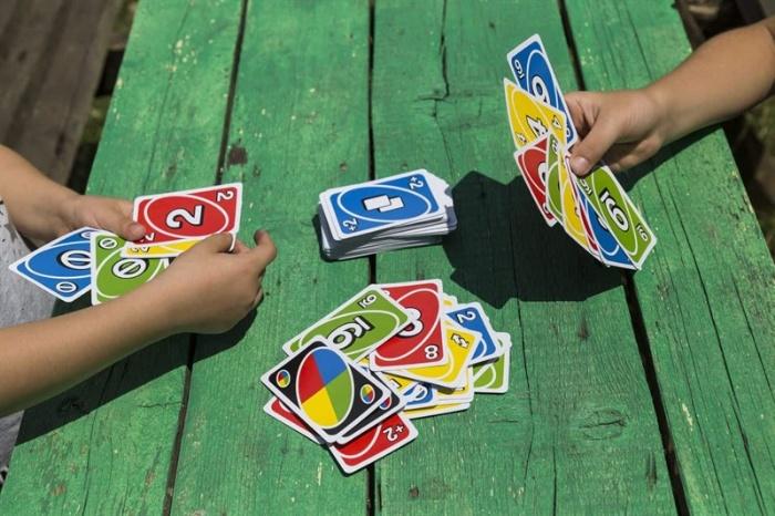Hướng dẫn cách đánh bài Uno cho người mới tập chơi